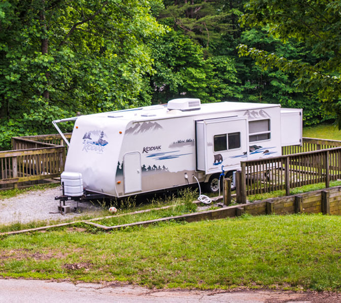 http://www.amicalolafallslodge.com/wp-content/uploads/2015/09/Amicalola-Falls-Adventure-Lodge-Accommodations-Campsites.jpg