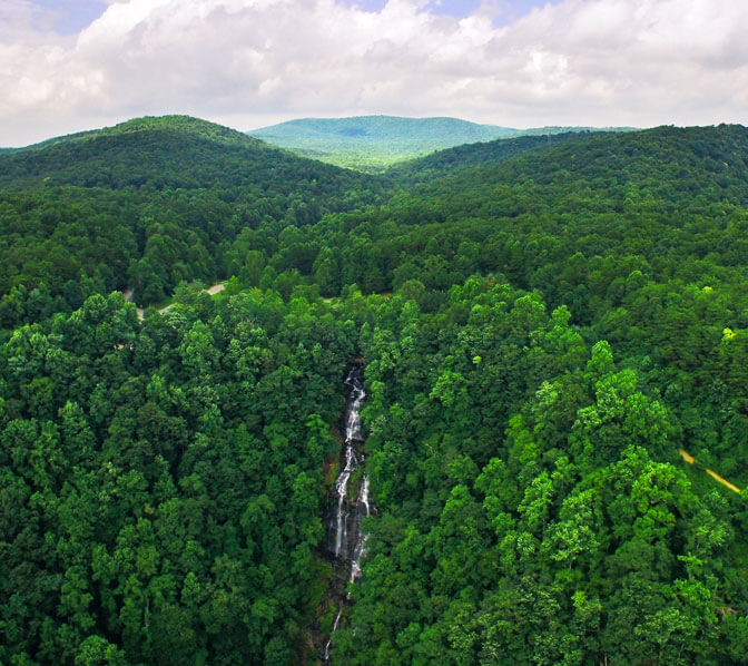 https://www.amicalolafallslodge.com/wp-content/uploads/2015/09/Amicalola-Falls-Adventure-Lodge-Packages-GA-State-Park.jpg