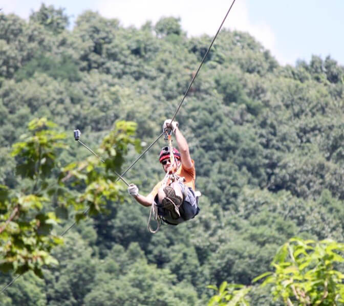 http://www.amicalolafallslodge.com/wp-content/uploads/2015/09/Amicalola-Falls-Adventure-Lodge-Photos-Videos-Activities-20.jpg